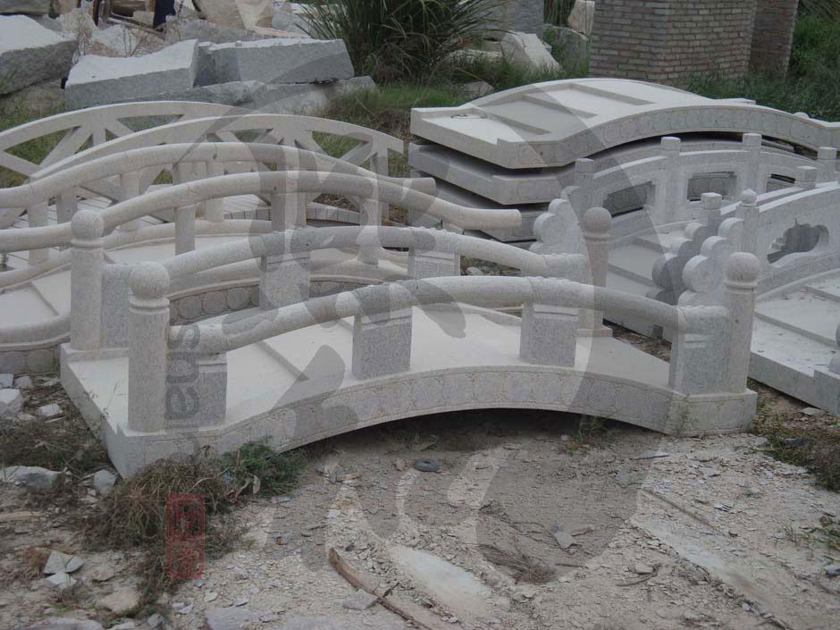 福建惠安大理石弧形石拱桥 精雕植物花纹带精致栏杆